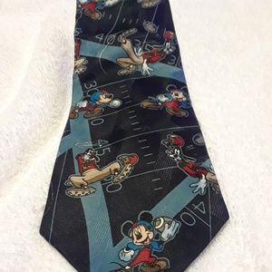 Disney Goofy Mickey Mouse Football Tie